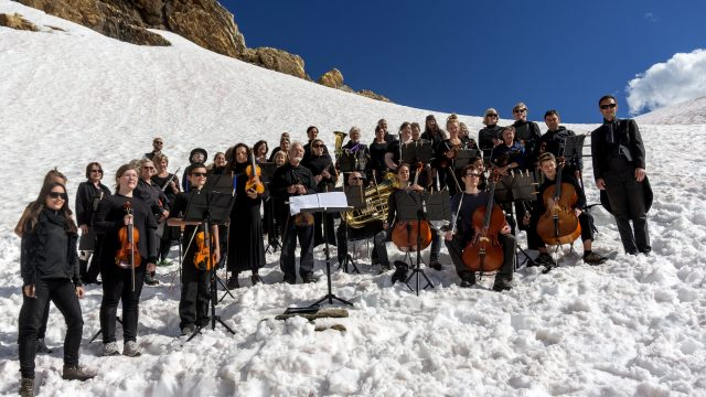 Best_Requiem-for-a-Glacier-Volunteer-Orchestra-and-Chorus-photo-Pat-Morrowcompressed.jpg