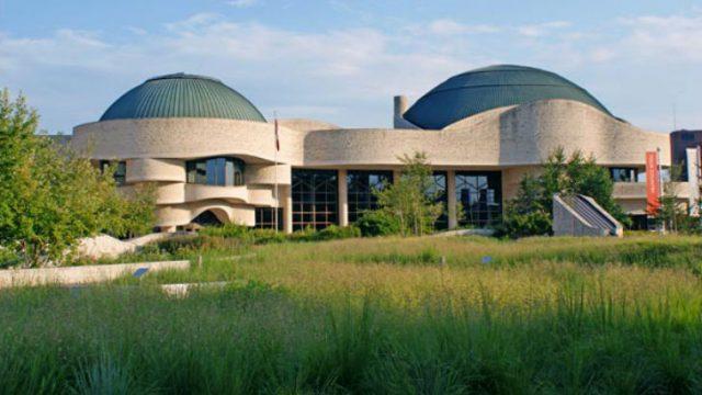 Canadian-Museum-of-Civilizations-Plaza-Claude-Cormier-Associes-5.jpg